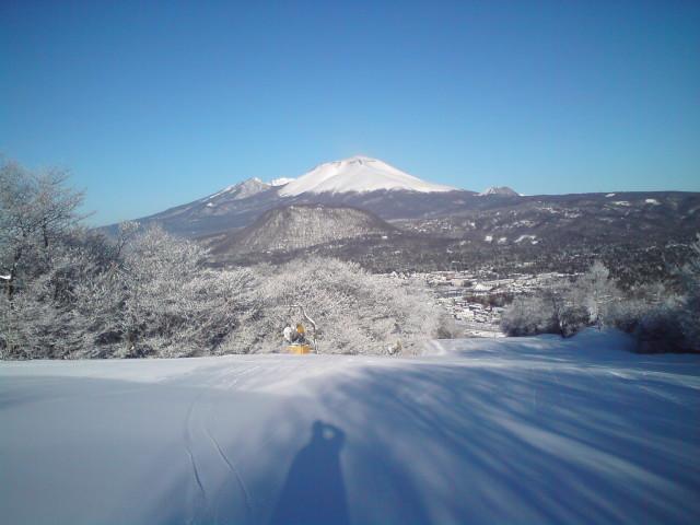 軽井沢プリンスホテルスキー場のスキーシーズン晴天率は90%!