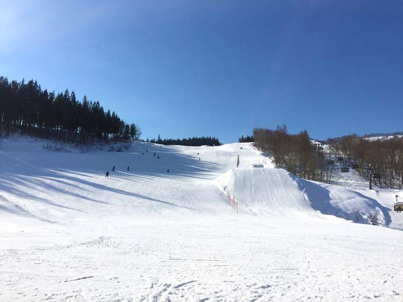 福井和泉スキー場はいつ行っても空いているから繰り返し練習するにはもってこい♪