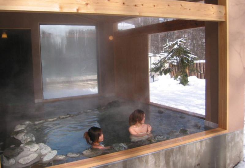 湯の丸スキー場日帰りツアーは温泉の入浴券付♪