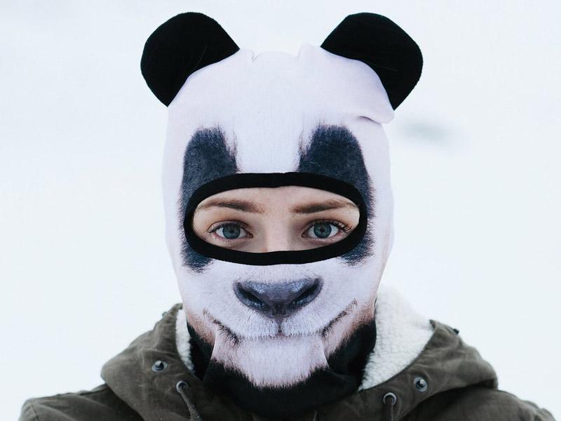 パンダ柄の3Dアニマルフェイスマスク。ゴーグル着用前はこんな感じ