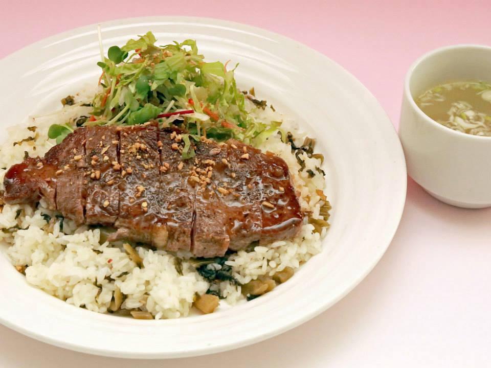 野沢温泉スキー場 レストハウスやまびこ 野沢菜ビーフステーキライス